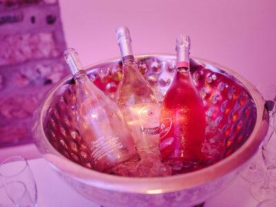 Hochzeitsgäste betrunken Hochzeitsbar